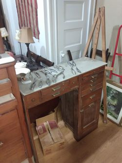Antique Dennis cabinet we have marked this down from 2800 to $1,200 so we can just have a quick sale for Sale in Swansea,  IL