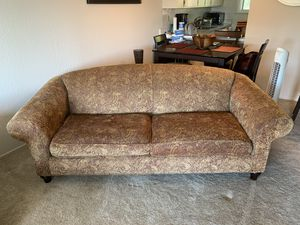 Red and Gold Couch for Sale in San Carlos, CA