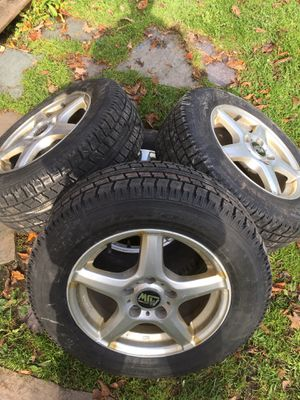 Nitto Snow Tires 195/65 R15 for Sale in Syracuse, NY