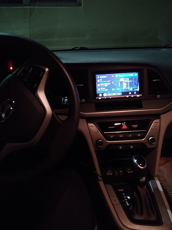 Sony XAV-AX5000 7 Double Din Apple car Android auto