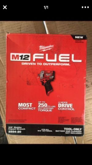 Milwaulkee M12 stubby Fuel 12 v ( tool only) new firm Precio Fijo 3/8. for Sale in Paramount, CA