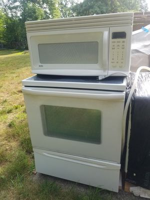 Kenmore Appliances (Range/Stove, Dishwasher, Microwave) for Sale in North Olmsted, OH