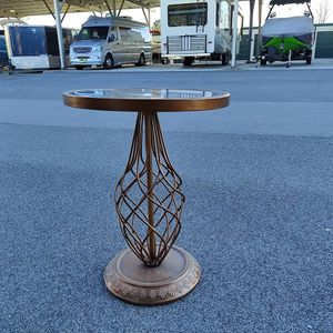 Mirrored End Table for Sale in Raleigh, NC
