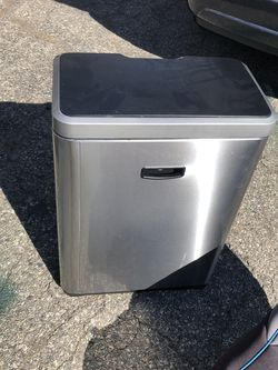 Garbage can for Sale in Macomb,  MI