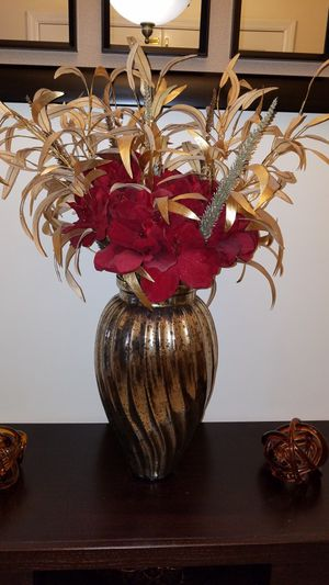 Vase with Flowers for Sale in Miami, FL