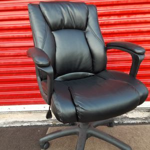 Black Leather Office Chair for Sale in Fort Lauderdale, FL