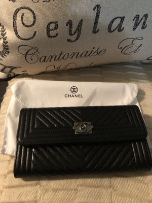 Black designer wallet for Sale in Cordova, TN