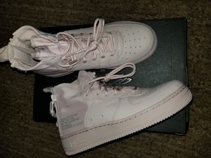 Brand new air force 1 mid Size 7y witch is a 8 in women's  serious buyers only please and thanks for Sale in Everett, WA