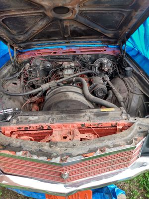 Chevy 350 engine with performance Parts/Holley Carburetor/Aluminum Elderbrock Intake/A/C unit/low miles/Rebuild/$900 can hear run for Sale in Detroit, MI