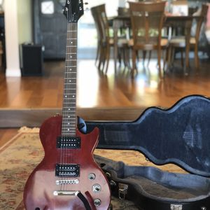 Epiphone Les Paul Special VE with HARDSHELL Case for Sale in San Diego, CA
