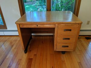 "Vintage 1950's Solid Medium Oak Physician / Secretary Desk 4 Drawers 42"" x 30"" x 29"" Extremely sturdy!! for Sale in Wyncote, PA"
