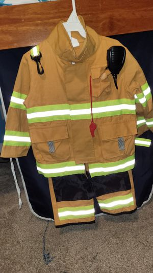 Fireman costume size 3T/4T for Sale in Snohomish, WA