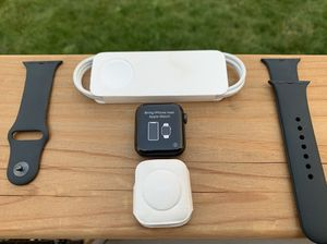 Apple Watch Series 6 40mm for Sale in Aurora, CO