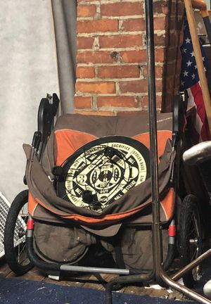 Dbl Jeep stroller $25 needs a tube fixed on one of tires for Sale in Buffalo, NY