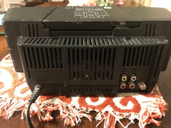 Bose wave radio/cd/alarm clock. Excellent sound