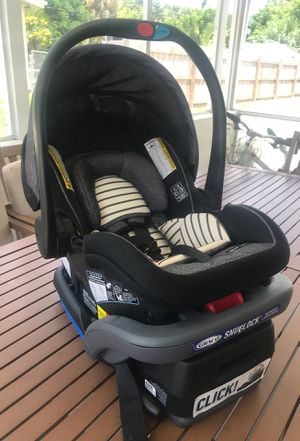 Graco Snuglock car seat & base for Sale in Palm Beach Gardens, FL