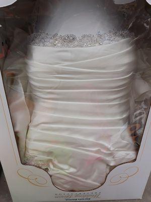 David's Bridal Wedding Dress for Sale in Perris, CA