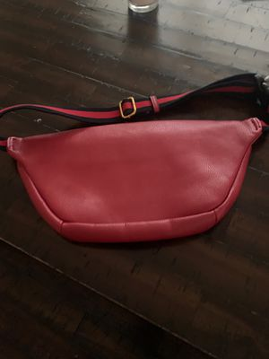 Red Gucci bag for Sale in St. Louis, MO