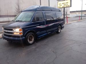 2002 chevy express van for Sale in Chicago, IL