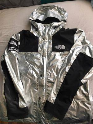 *READ DESCRIPTION* North Face Supreme Silver Metallic Jacket size M for Sale in Wilmington, DE