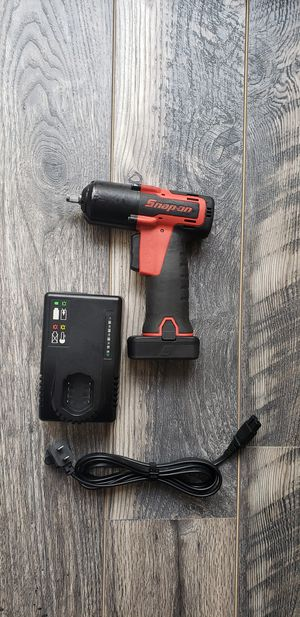 Snap-On 14.4 v 3/8 drive MicroLithium Cordless impact wrench kit for Sale in Claremont, CA