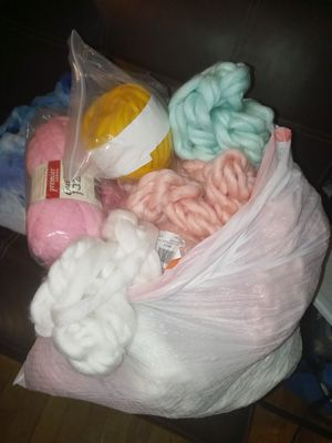 13gal bag full of Merino wool for Sale in Spartanburg, SC