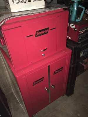 Reproduction vintage snap on tool box for Sale in Tucson, AZ