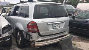Mercedes gl 450. For parts for Sale in Opa-locka, FL