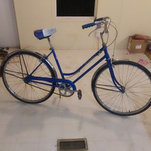 "1972 SCHWINN 'BREEZE' 26"" women's bicycle. for Sale in Ronceverte, WV"