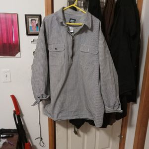 Pull Over Work Shirt 4x Also Have In 3x Pull Over For25$ for Sale in Redmond, OR
