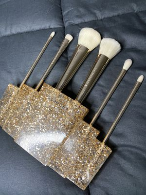 Sephora Gold Glitter Limited Edition Six Brush Set (Value of $150) for Sale in Las Vegas, NV