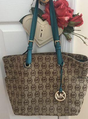 Authentic Michael KORS Shoulder Bag Mint Condition 🦋 for Sale in Manassas, VA