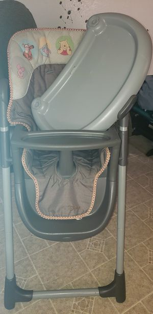 High chair for Sale in Perris, CA