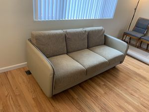 Leader couch very clean for Sale in Bellevue, WA
