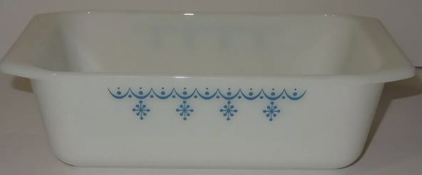 Vintage White Glass Pyrex Ovenware Snowflake Blue Loaf Pan (#813) Made in USA