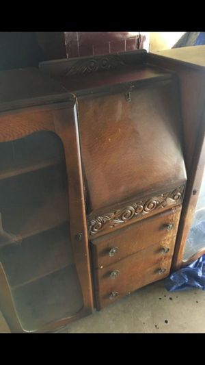Mid century secretary cabinet—needs a little work—original hardware—amazing project for someone that is handy—do not have keys for doors, hence do no for Sale in Los Angeles, CA