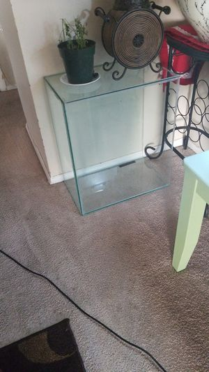 Fish tank size 20 gallon de-rimed for Sale in Alexandria, VA