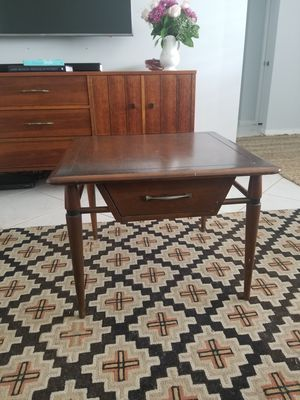 Mid century modern end table side table for Sale in West Palm Beach, FL