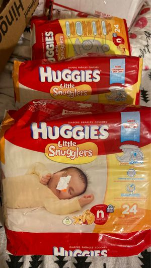 Huggins little snugglers Newborn 3,packs of 24 for Sale in View Park-Windsor Hills, CA