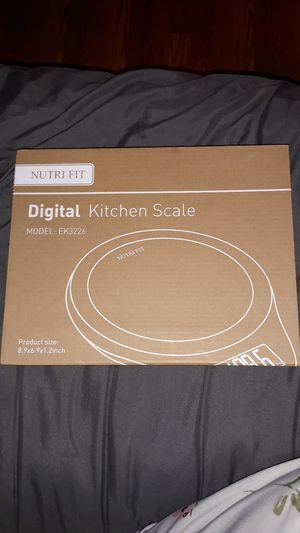 NUTRI FIT DIGITAL KITCHEN SCALE WITH DOUGH SCRAPER for Sale in Elm Mott, TX