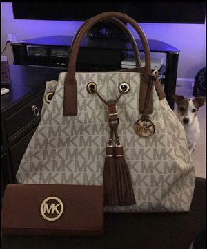 Michael Kros Purse and wallet for Sale in Wayne, MI