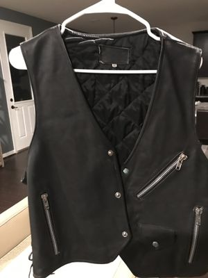 "Vintage motorcycle leather jacket vest size ""42"" for Sale in Pearland, TX"