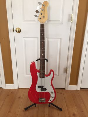 P-Bass electric bass guitar excellent condition like new! Fender precision bass red! FS/FT! for Sale in Stony Point, NY