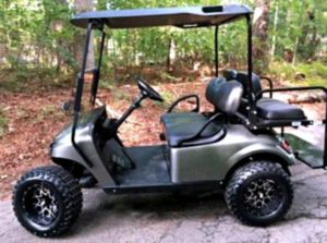 Price$1OOO EZ-GO TXT 2O17 Electric Golf Cart for Sale in Los Angeles, CA