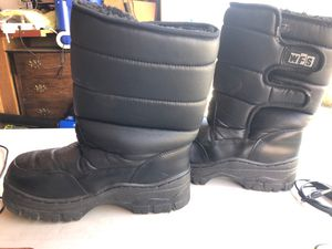 Kids Snow Boots Size 6 for Sale in Redwood City, CA
