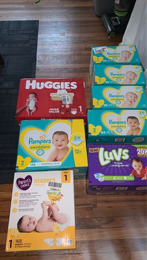 DIAPERS FOR SALE (Pampers, Huggies and Luvs) for Sale in Cleveland, OH