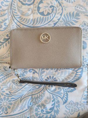 MK Jet Set Wristlet Phone Wallet Grey Authentic for Sale in Peoria, AZ