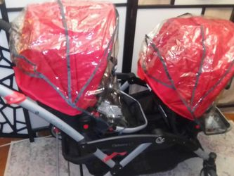 Stroller twins model contours optimum LT New $600, excellent condition, beautiful color. Never used before. Pickup queens for Sale in Queens,  NY