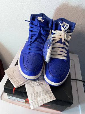 Jordan 1 hyper royal size 9.5 for Sale in Los Angeles, CA
