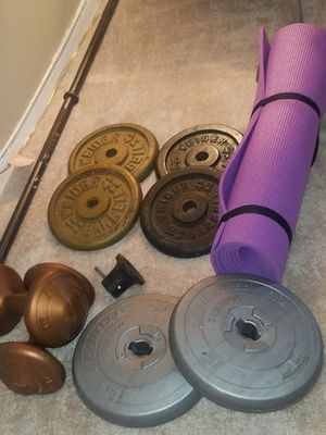 Barbell set of 4 weights 3lbs/ 2 sets of 10lbs / 14lbs / bar and pin plus yoga pad for Sale in Queens, NY